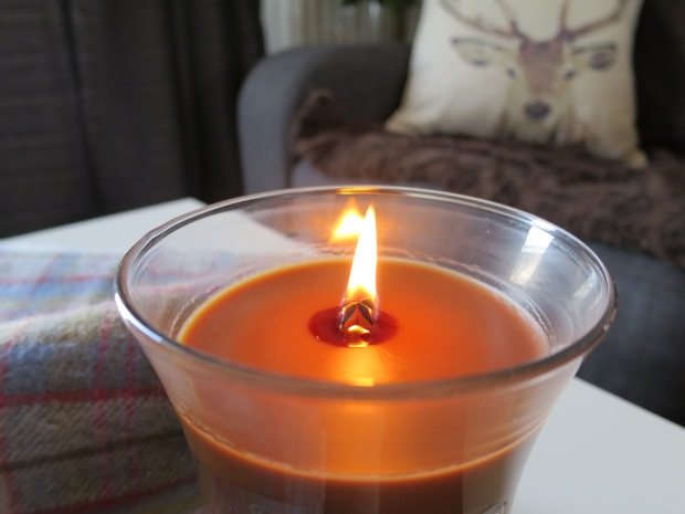 WoodWick Candle Review
